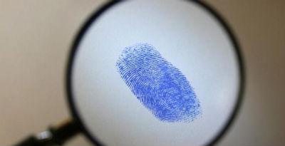 Снятие отпечатков пальцев, дактилоскопическая экспертиза